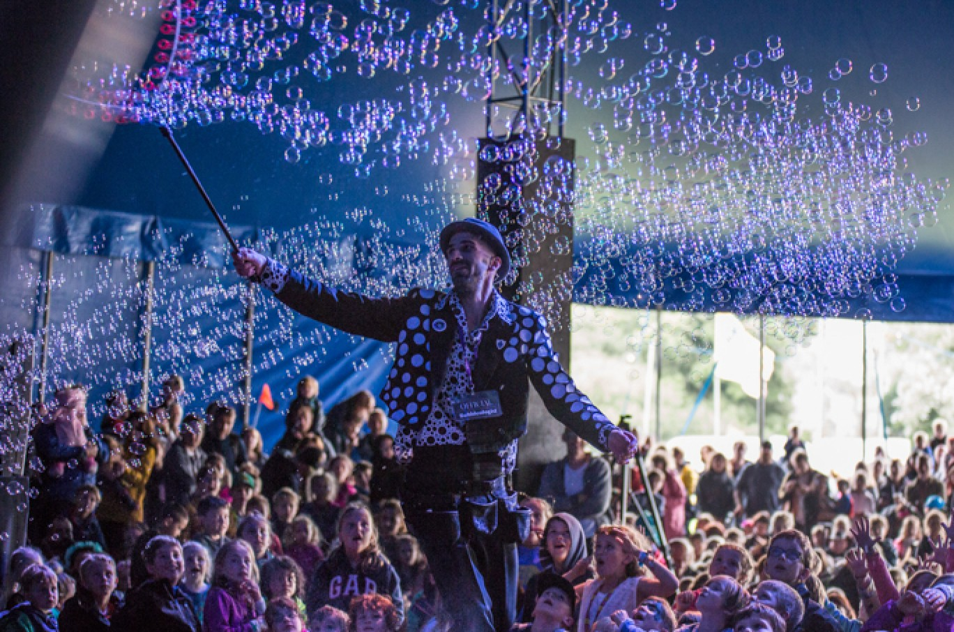 6_10-camp-bestival-friday-67951501584976