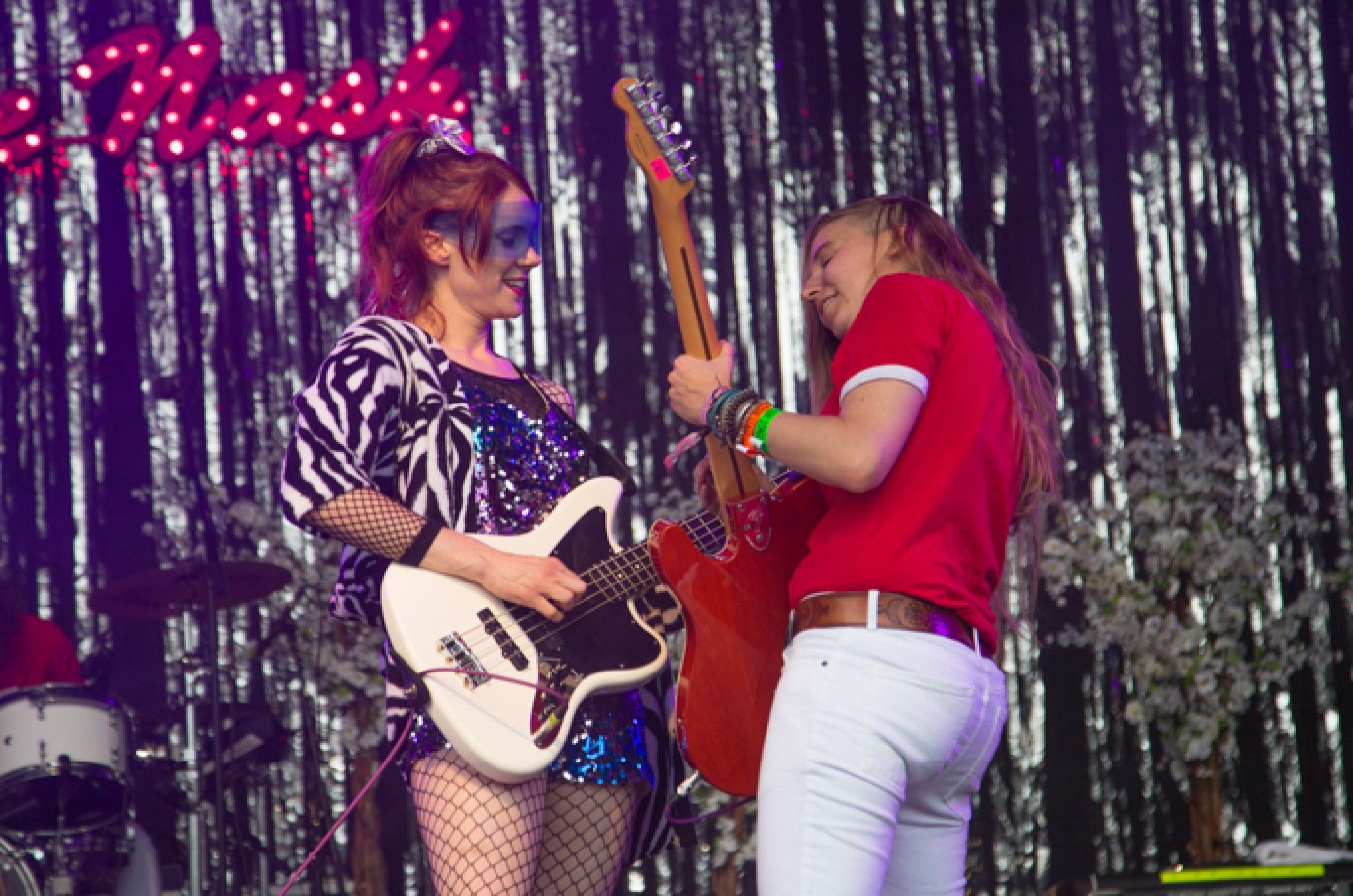 6_129-camp-bestival-2017-kate-nash-rb-f61a13211501585103