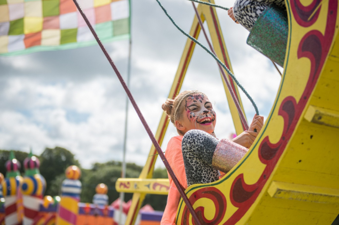 6_131-camp-bestival-2017-kids-field-cl-dsc_23901501585107