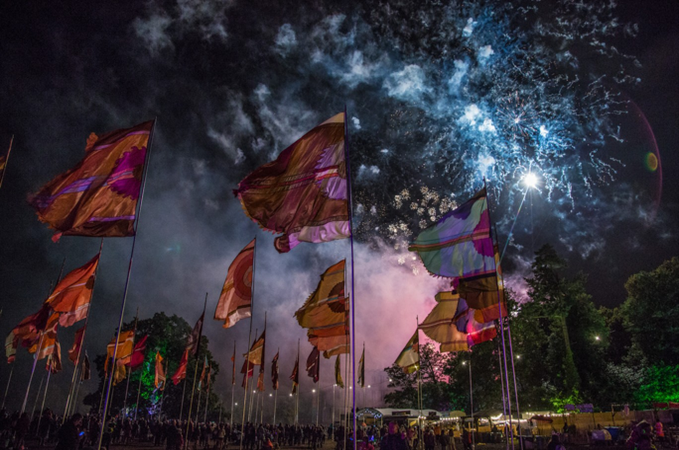 6_15-camp-bestival-2017-fireworks-aw-adam47661501584981