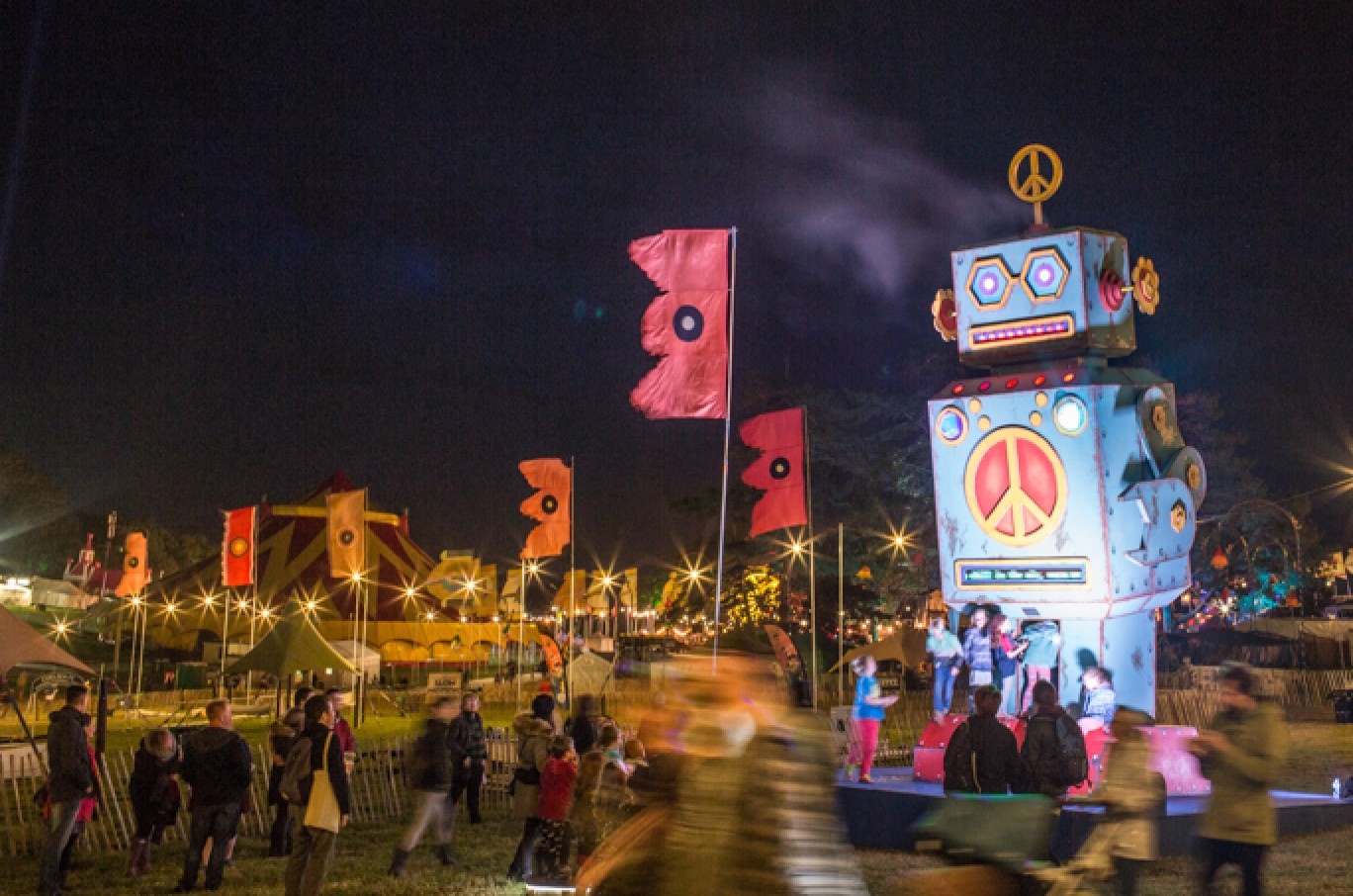 6_148-camp-bestival-friday-226641501585124