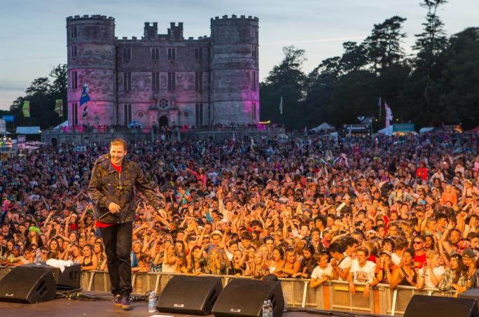 day2_castle-stage-professor-green__vic25111438856456