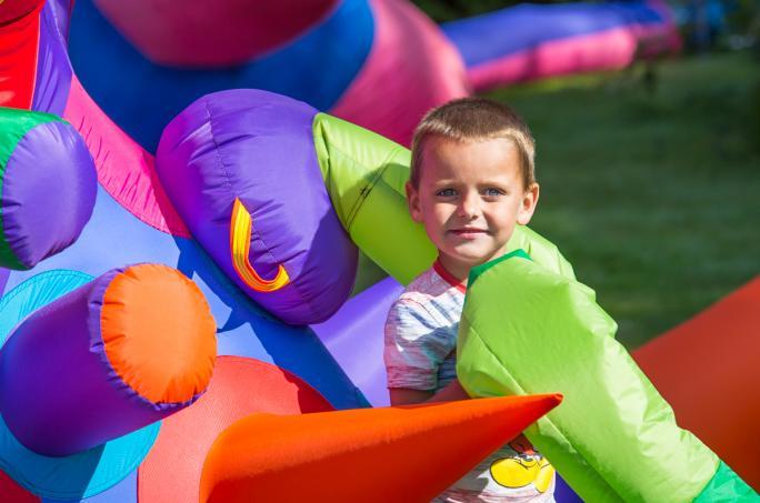 day2_children-inflatable-portrait__vic10651438856480