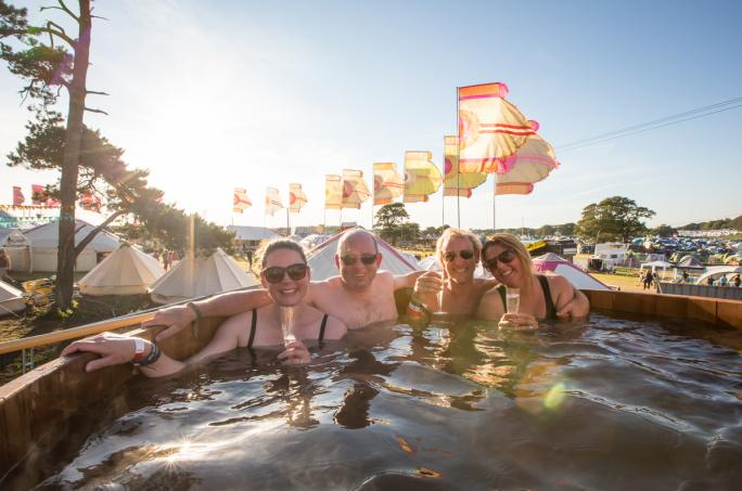 day2_hot-tub-sunset__vic19741438856504