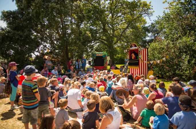 day2_puppet-show-upper-kids-garden_cf1_15891438856519