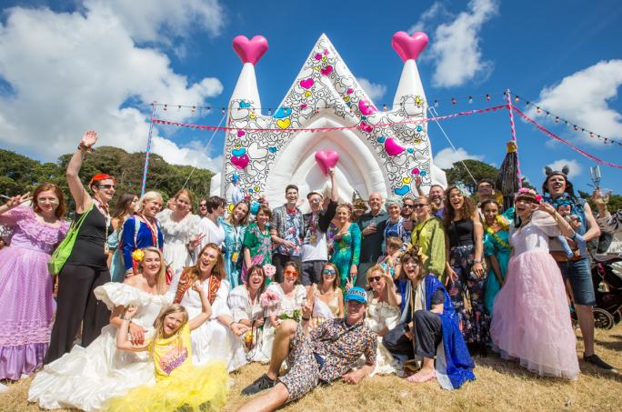 day3_bestival-inflatable-church-magic-meadow-wedding__vic35801438856541